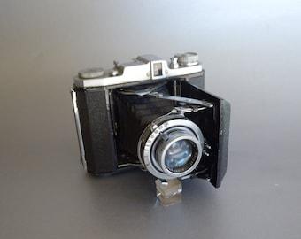 Wonderful Rare Vintage Zenobia C Folding Camera
