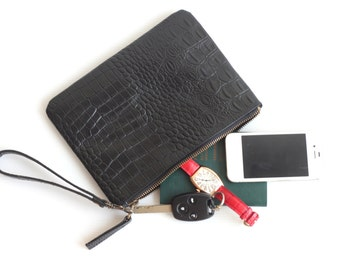 Leather Wristlet Pouch. Leather Wristlet. Leather Zipper Pouch. Leather Zip Pouch. Black Pouch. Black Wallet. Leather Wallet. Leather Clutch