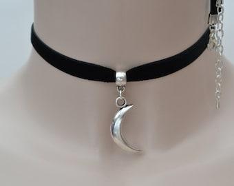 CRESCENT Solid MOON Charm 10mm BLACK Velvet Ribbon Choker ki.. or choose another colour velvet & size :)