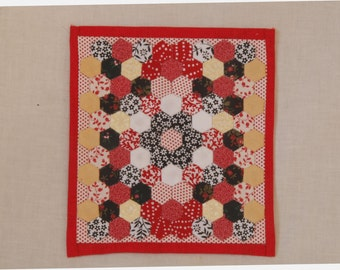 dollhouse miniature 1:12 scale quilt