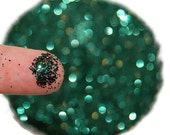 Hunter Green SOLVENT RESISTANT Glitter 0.015 Hex - 1 Fl. Ounce for Glitter Nail Art, Glitter Nail Polish & Glitter Crafts