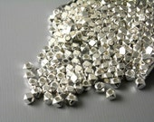 SPACER-SL-NT-3X2.5 - 3mm Silver Plated Hexagon Shaped Spacers - 30 pcs