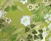 Vintage Wallpaper by the Yard 70s Retro Wallpaper - 1970s White and Green Flowers on Metallic Gold