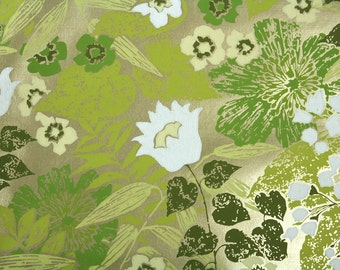 Retro Wallpaper by the Yard 70s Vintage Wallpaper - 1970s White and Green Flowers on Metallic Gold