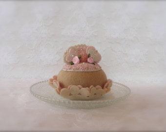 Felt Cake: Champagne Cupcake