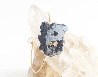 Black Stone Bangle, Druzy Bracelet, Druzy Bangle, Wire Bangles, Drusy Bracelet, Drusy Bangle, Black Bracelet, Black Jewelry, Gussied