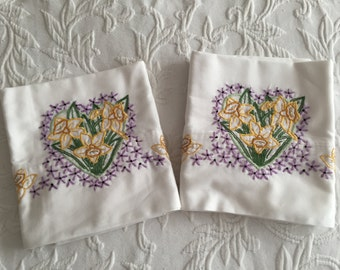 Hand embroidered cotton pillowcases, set of 2, standard size