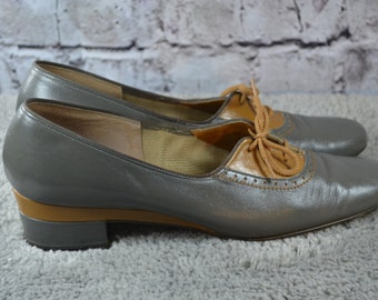 SALE vintage 1970s Selby gray butterscotch 2 tone leather oxford heels