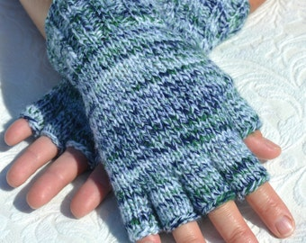 Hand-knitted half finger gloves