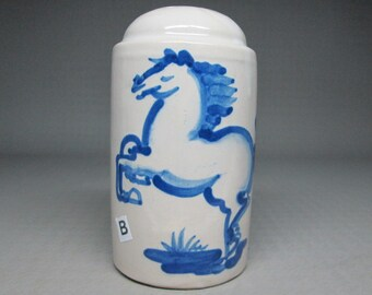 Hadley horse pepper pottery kentucky hand painted ( sorry NO SALT ! )