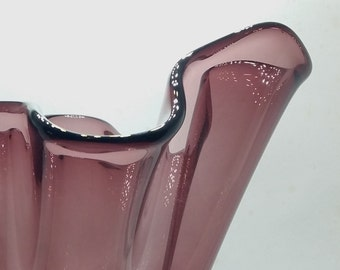 Cranberry-colored mouth-blown handkerchief glass vase