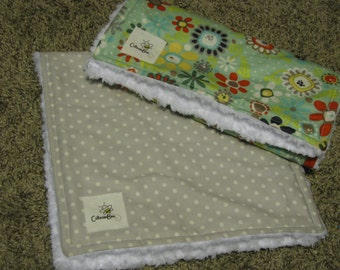 Mint Daisies and Light Gray Dots Burp Cloth Set