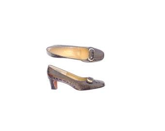 Brown Leather Heels - Gold Hardware. Size 8.5 - 9. Vintage 50s Crocodile Pumps.