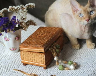 VINTAGE Wooden Trinket Box, Pencil Box, Jewellery box hand-carved ornament. Handmade. Hand carved