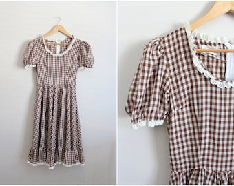 1960s Square Dance Dress / Full Skirt plaid Dress /Circle Skirt dress / Country checkers dress/ Size S/M