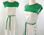 1970s Umbrella Novelty Print Sleeveless Green Jersey Sundress