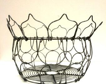 Vintage style wire egg basket