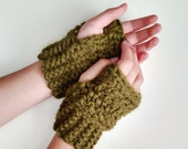 Wrist Warmers / Fingerless Mittens / THE CHEVAKS / Cilantro - More colors available