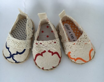 18 inch doll shoes, Laney Lee Canvas doll shoes, Quadrifoil print doll shoes, made to fit 18 inch dolls such as American Girl and others