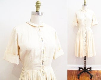 Vintage 1950s Dress   Embroidered Cotton 1950s Day Dress   size xs - small