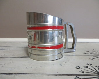 Red Flour Sifter Aluminum Sifter Farmhouse Kitchen Shabby Decor Sift Chine Retro Kitchen Red Kitchen