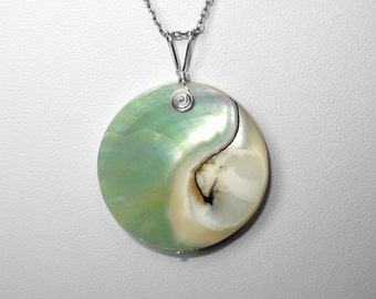 Nautilus Shell Pendant in Silver or Gold, 30 mm