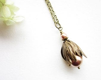 Kette, necklace,Brass Flower Jewelry,Tulip Pendant Necklace,Tulpe,rose gold, Floral Jewelry,rustic jewelry