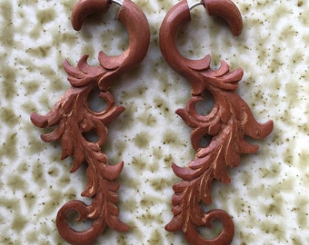 VINE Fake Gauge Earrings - Natural Tribal Jewelry - Hand Carved Tan Saba Wood - Hanging Flowers