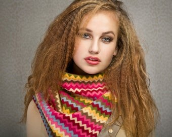 SUPER SALE Fleece cowl with snaps, multicolour zigzag, unisex winter scarf, perfect for wool allergies