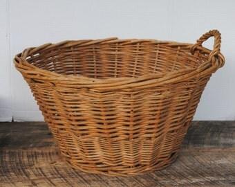 Vintage Rounded Wicker One Handled Laundry Storage Basket