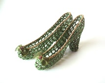 Vintage Decorative Miniature Crocheted Heeled Shoes, Green with Sparkle Gold Trim