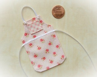 Miniature apron for dollhouse, Pink roses, Shabby chic 1:12 scale