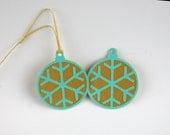 5 - Holiday / Christmas Tags - Round Snowflake Ornament