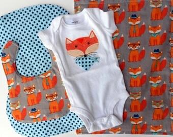 Fox Woodland Animal Burpcloths and Bib set, Fox baby shower, Fox appliqued onesie set,  Fox baby nursery, Baby Fox set of 4