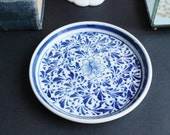 Chinoiserie blue and white dish, tray, collectible plate