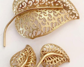 Vintage Gold Tone Leaf Brooch and Earrings Set by Triad