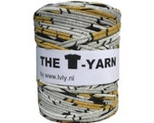 The t-shirt yarn 120-135 yards, 100% recycled cotton tricot yarn, grey printed