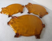 Pig Platter and 2 Snack Plates, Orange, Vintage Tiara Indiana Amber Glass, Buffet Barbecue BBQ, Three Little Pigs, Piggy Plate, Photo Prop