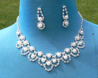 chain rhinestone and  pearl Necklace and post earrings