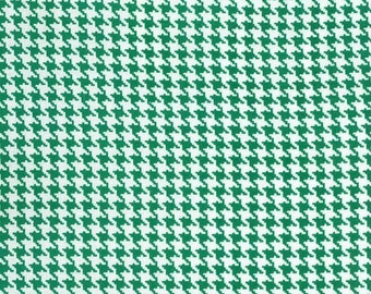 Christmas Fabric for quilt or craft Michael Miller Tiny Houndstooth in Spearmint Half yard