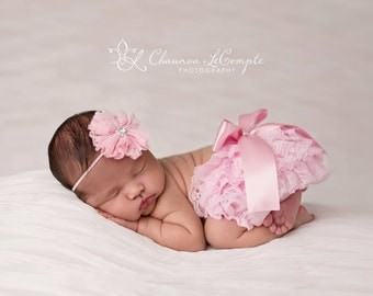 Newborn pink bloomer set, pink photography prop, newborn homecoming outfit, ruffle lace bloomers, newborn outfit, light pink lace bloomers