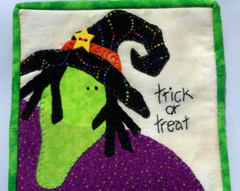 Trick or Treat Mini Wall Hanging