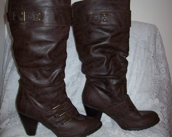 Vintage Ladies Brown Knee High Boots by Maurices Size 10 Only 12 USD