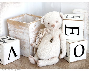 Shabby chic style Bear Q 8,5 inch of White Wedding Snow collection