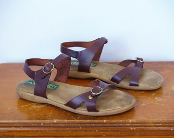 1970s 1980s Vintage Strappy Brown Leather Jesus Sandals w/ Cushioned Footbed / Ankle Strap Rapallo Flats Open Toe Shoes / Size 6 US Women's