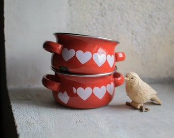 Valentine's Enamel Bowl // 1960 Enamelware // Red & White Hearts