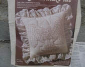 candlewicking pillow kit American eagle paragon candlewick plus new in package 1982