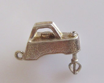 Silver Nuvo Food Mixer Charm Moves