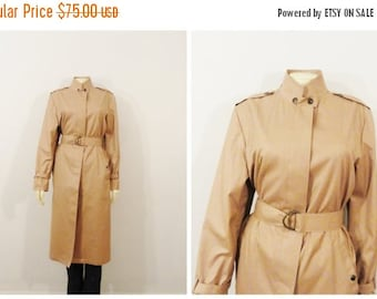 CLOTHING SALE Vintage Coat 70s London Fog Maincoat Belted Pale Mauve Trench Coat Accents Size 12 Modern Medium to Large