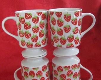Vintage Set of 4 Strawberry Mugs